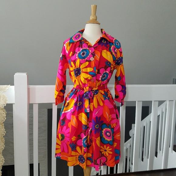 Vintage Other - Vintage 1960's Flower Power House Coat